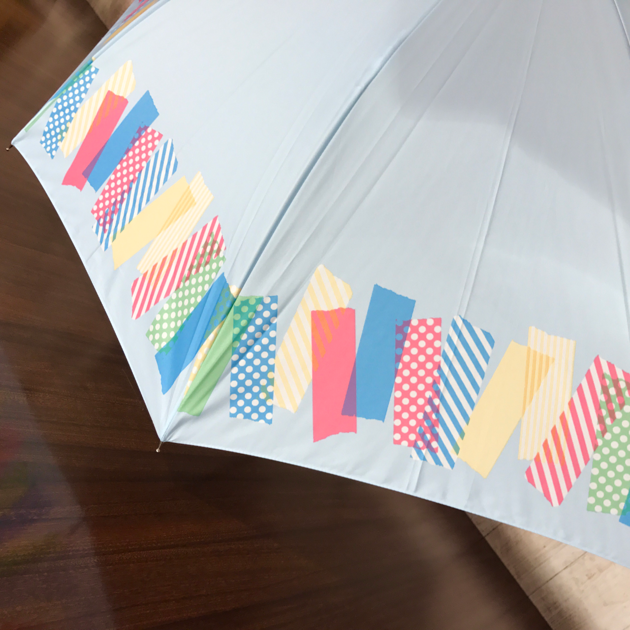 「マステ柄の傘がかわゆい!」の写真