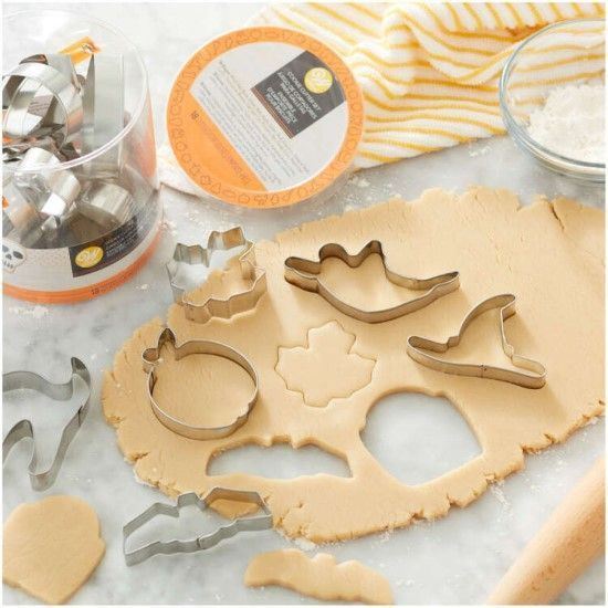 「新商品入荷!ハロウィンのクッキー型のご紹介です!」の写真