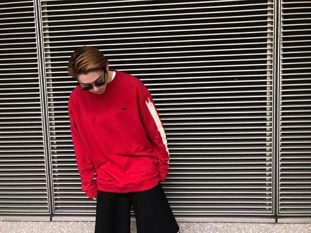 RED ×BLACKの写真