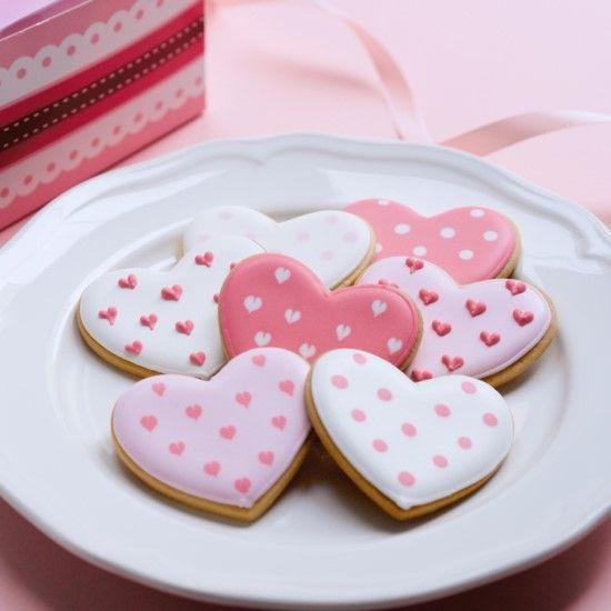 「【Wiltonレシピ】バレンタインハートのアイシングクッキー」の写真