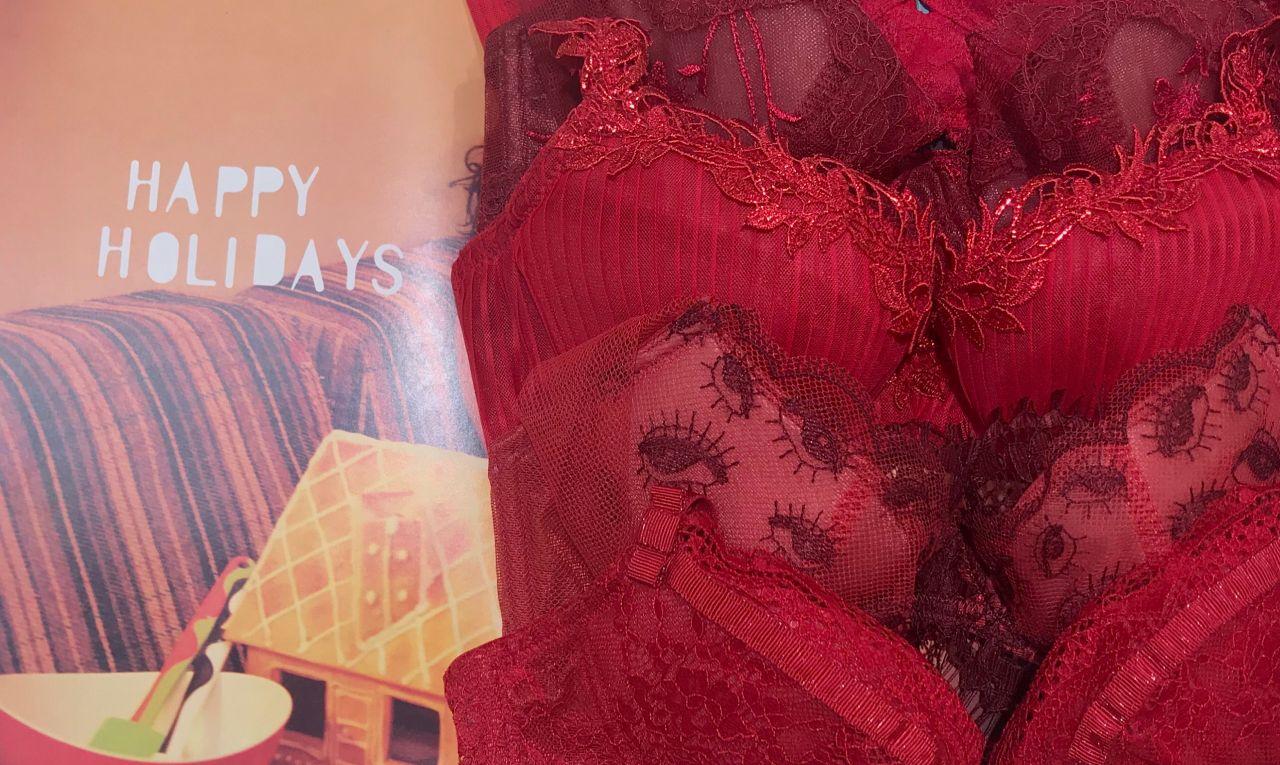 クリスマスだから!だけじゃない。透けにくいから選ぶ赤【ルミネ北千住】の写真