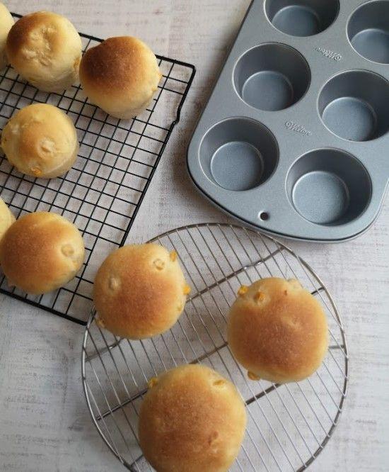 「バリエーションは無限大!マフィンパンでコロンとカワイイ丸パン作り♪」の写真