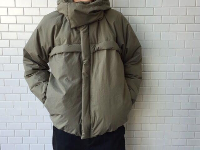 GraphpaperのDown Jacketの写真