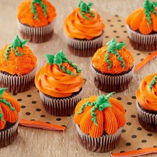 「いろいろな絞りのかぼちゃカップケーキバリエーション♪」の写真