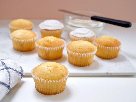 「【Wiltonレシピ】クラシックカップケーキの作りかた」の写真