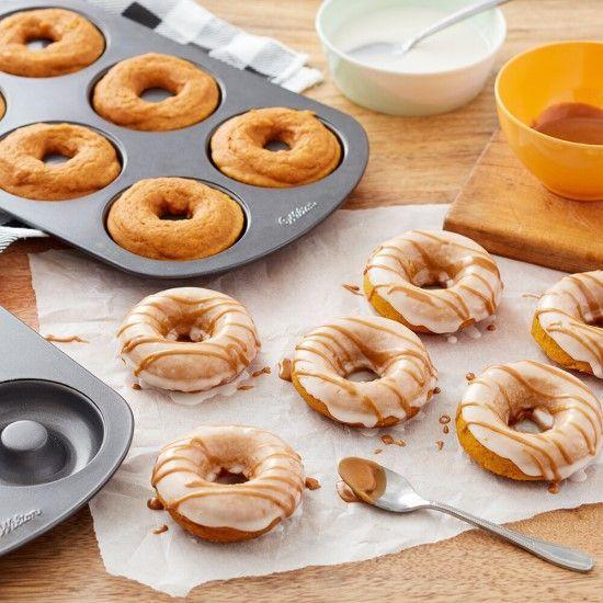 「食欲の秋に!パンプキンドーナッツがおすすめです♪」の写真