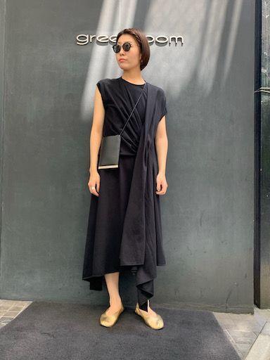 summer black dressの写真