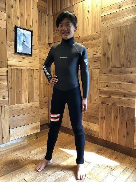ビラボンのセミドライのサーフィン用ウェットスーツ