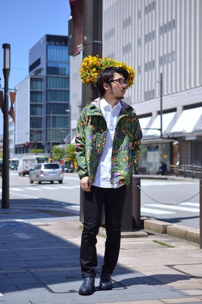【 White Mountaineering 】/ TROPICAL PATTERN PRINTED TAFFETA RAGLAN PARKA : Stylingの写真
