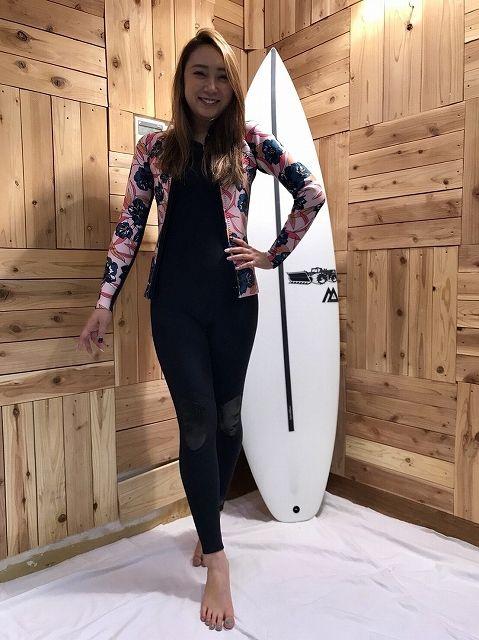 ビラボンのウェットスーツのロングジョンと長袖タッパー女性用