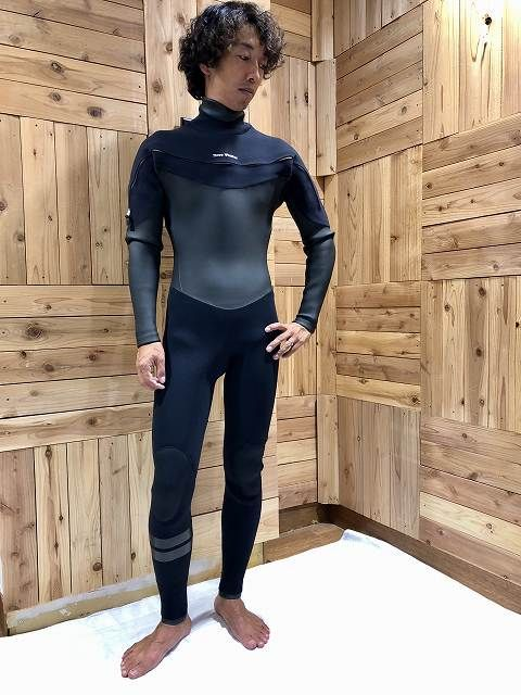 ホットラインのセミドライのサーフィン用ウェットスーツ
