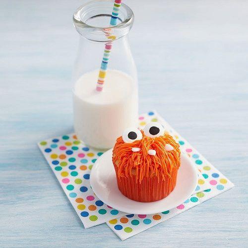「ハロウィンのフサフサモンスターカップケーキ」の写真