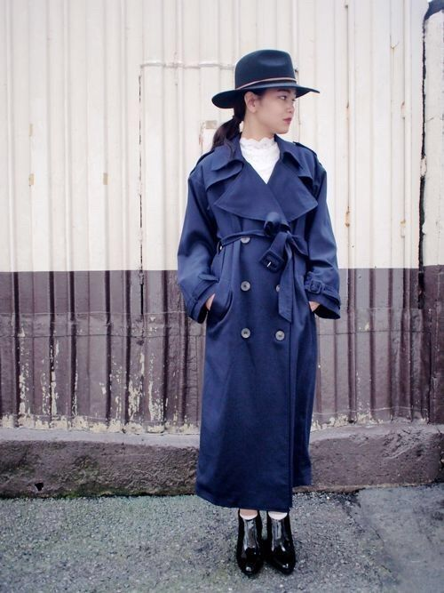 trench coat/SOLOV ¥32400- tops/cheeky ¥9.504-  shoes/mollini ¥23760-
