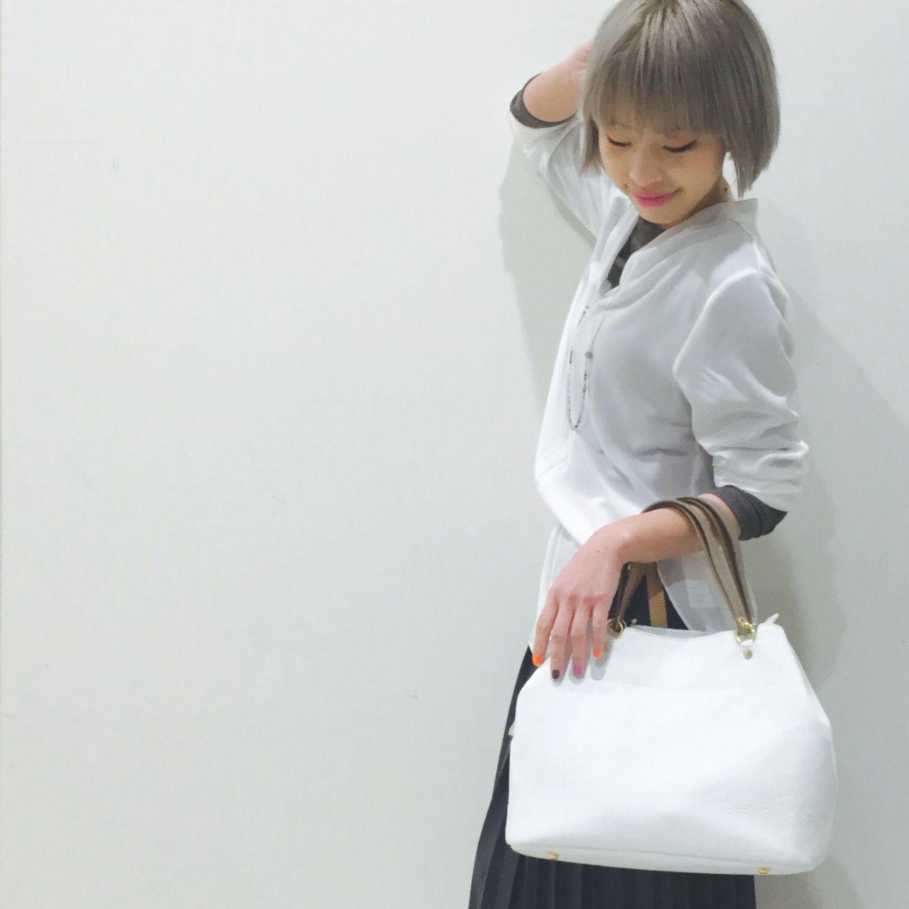スタイリッシュなホワイトバッグ☆【パピ...