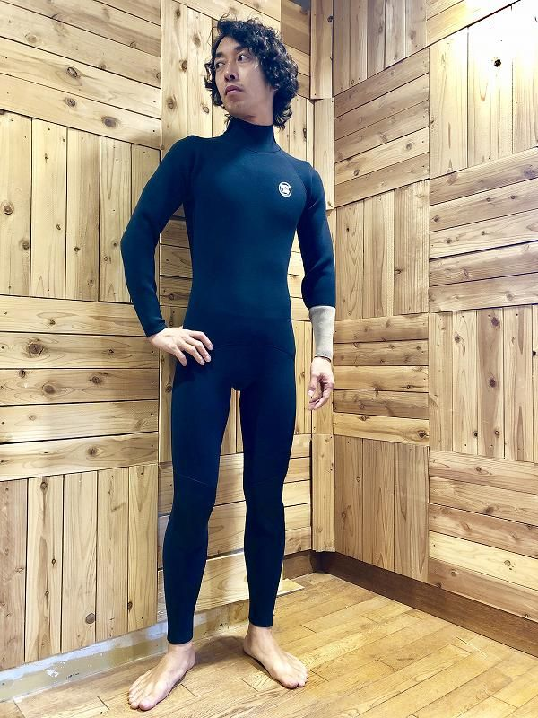 ホットラインのウェットスーツサーフィン用フルスーツ