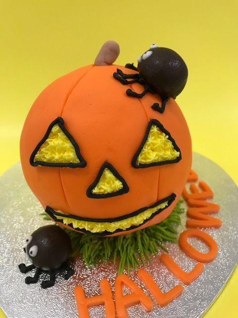 「ハロウィン『ジャコランタン3Dケーキ』レッスン」の写真