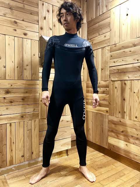 エアータイトのウェットスーツサーフィン用フルスーツ