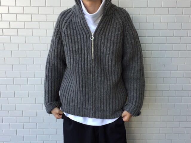AURALEEのZip Knitの写真