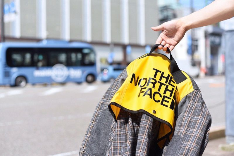【 JUNYA WATANABE COMME des GARCONS MAN 】/ × The North Face Duffel Bag Remake Oxford Jacketの写真