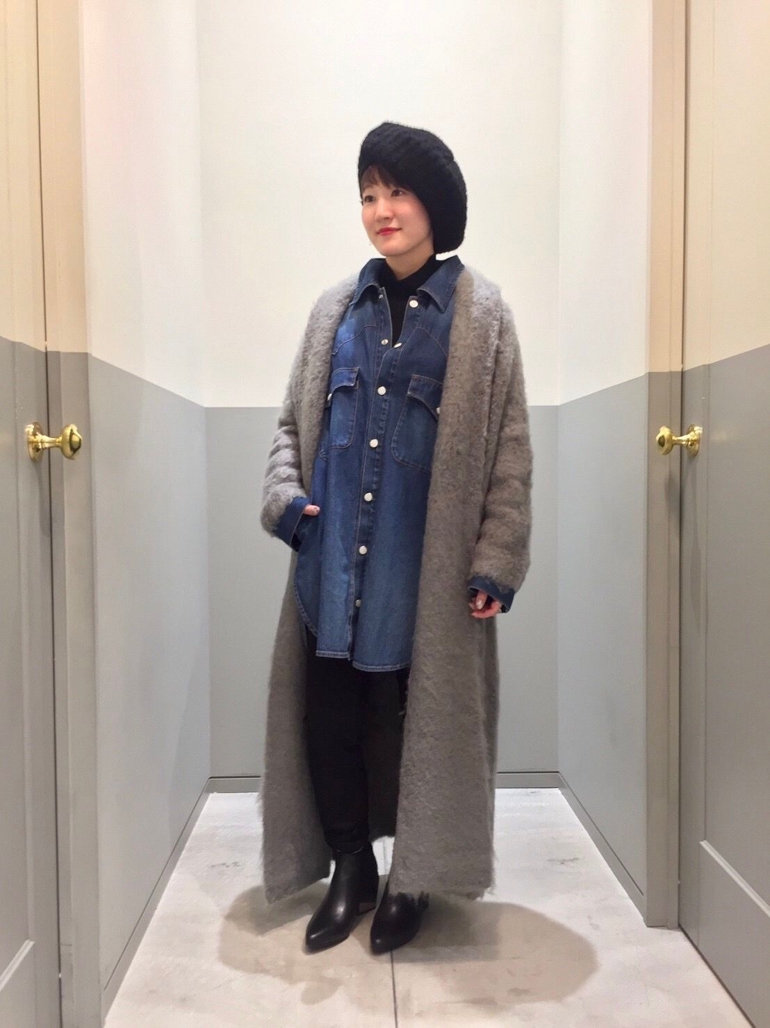 Denim over-shirtの写真