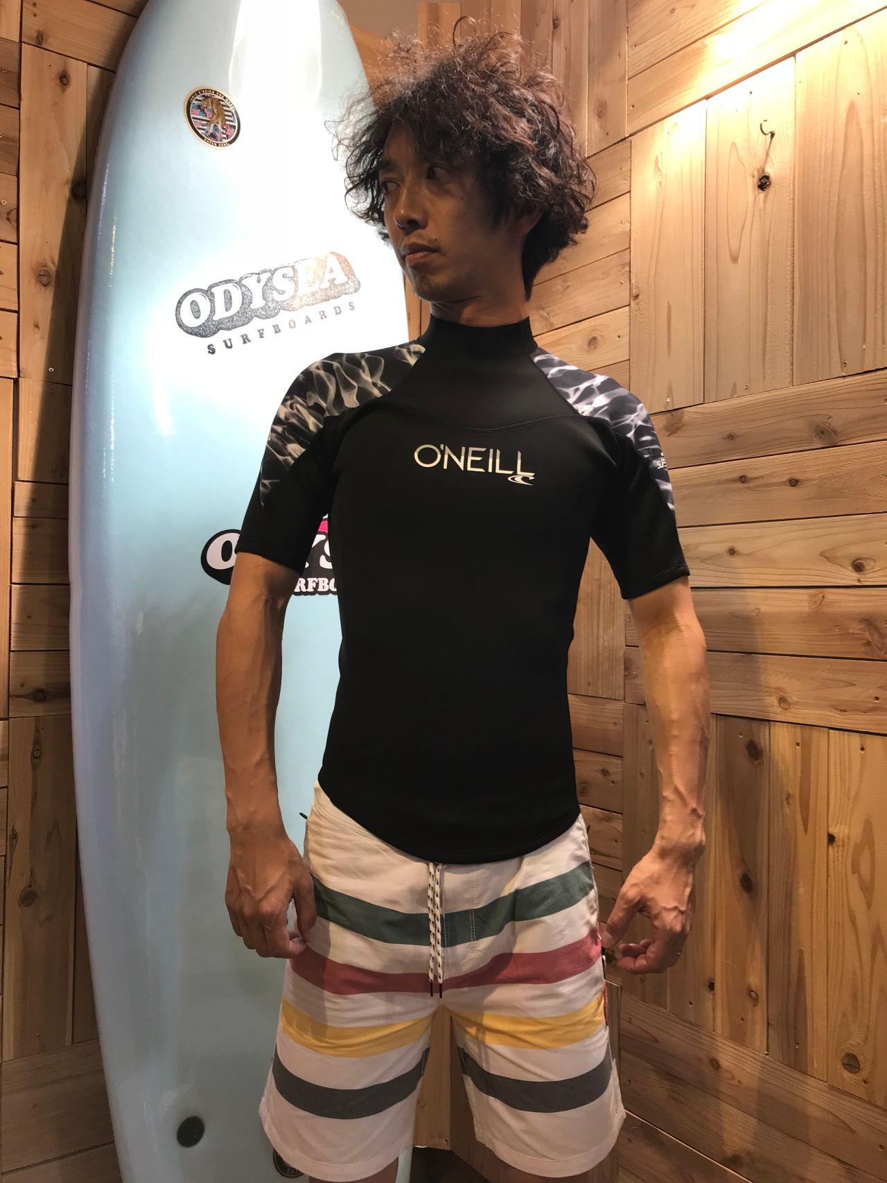 オニールのウェットスーツ半袖タッパー