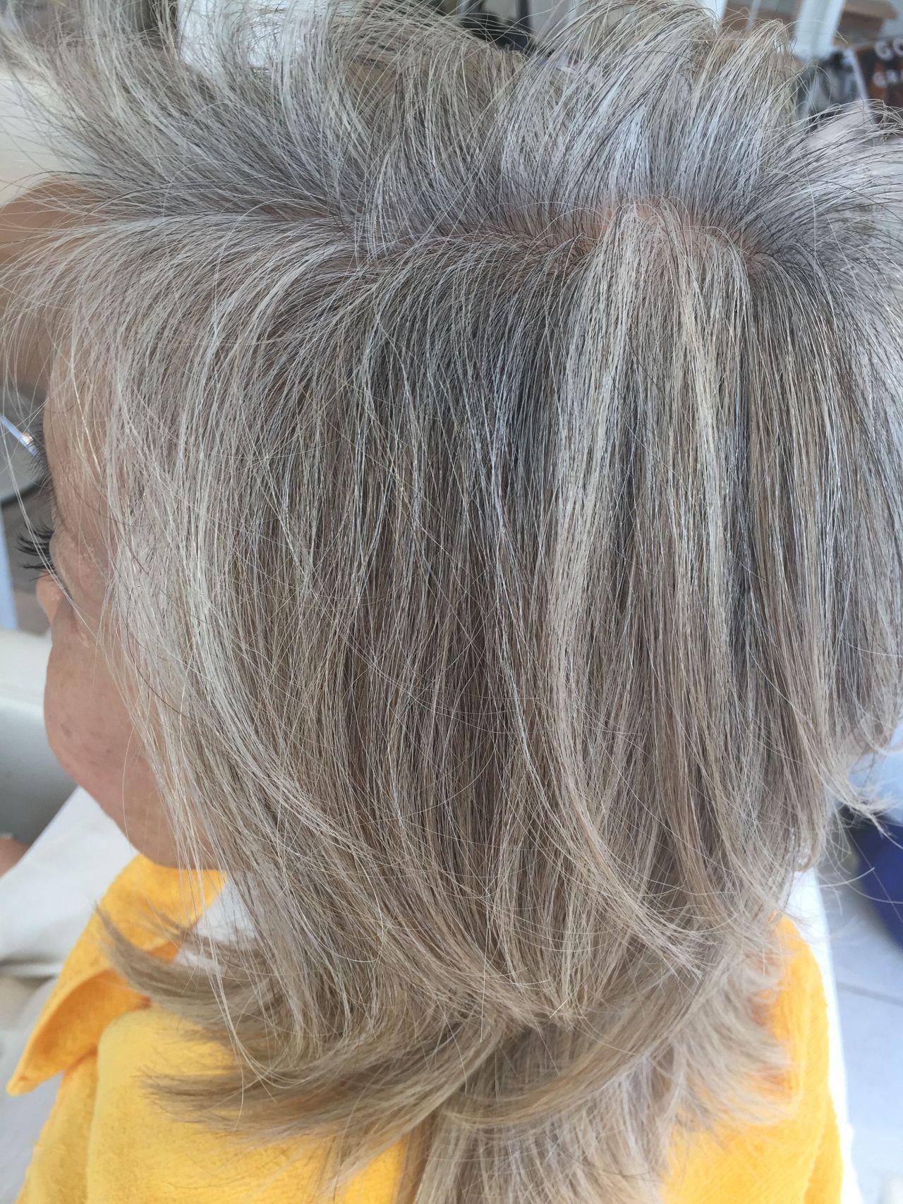 リング 白髪 を カラー 生かし た