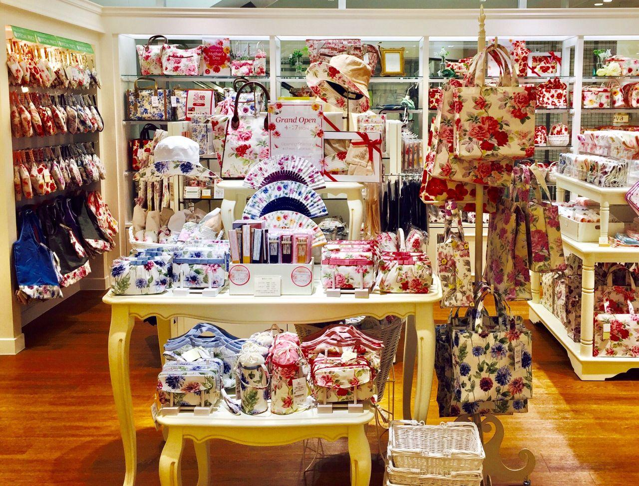 5593a743c841f 名古屋地区でギフト u0026アクセサリーズは初出店となります!