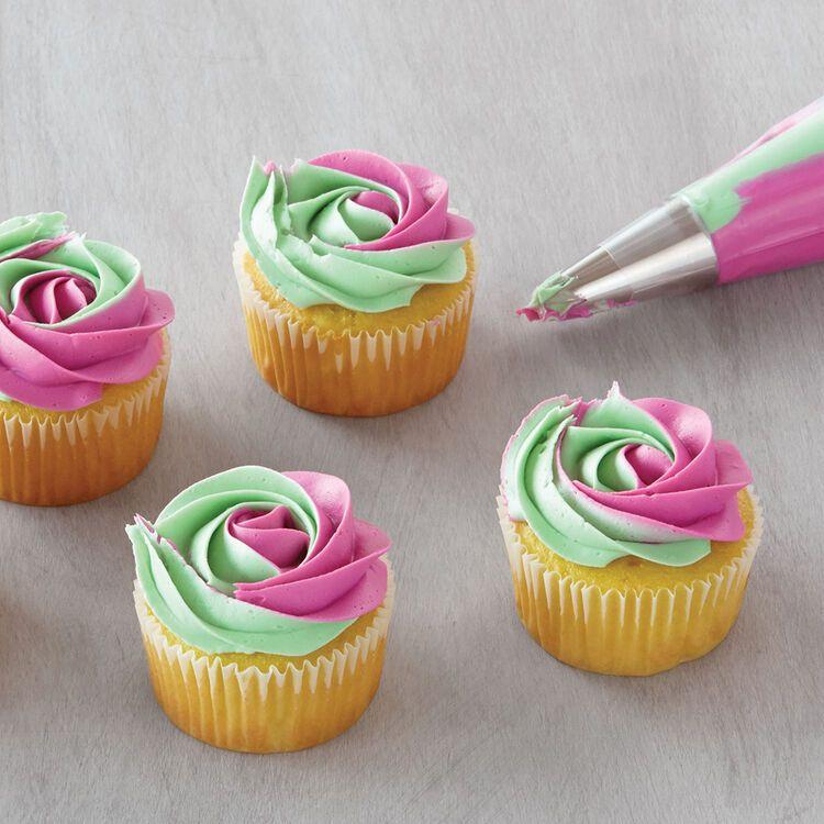 「ライブ配信で紹介♪カップケーキデコレーションの基本」の写真