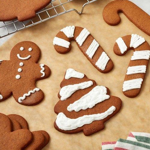 「クリスマスアイテム好評発売中です!」の写真